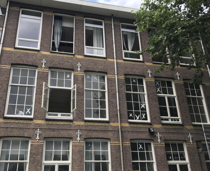 Gemeente verziekt historisch pand met goedkope renovatie for Goedkope kamers rotterdam